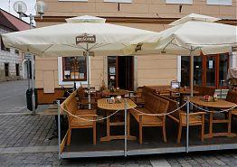 Venkovní posezení - Restaurace Vratislavský dům