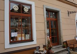 Vstupní dveře do Restaurace Vratislavský dům